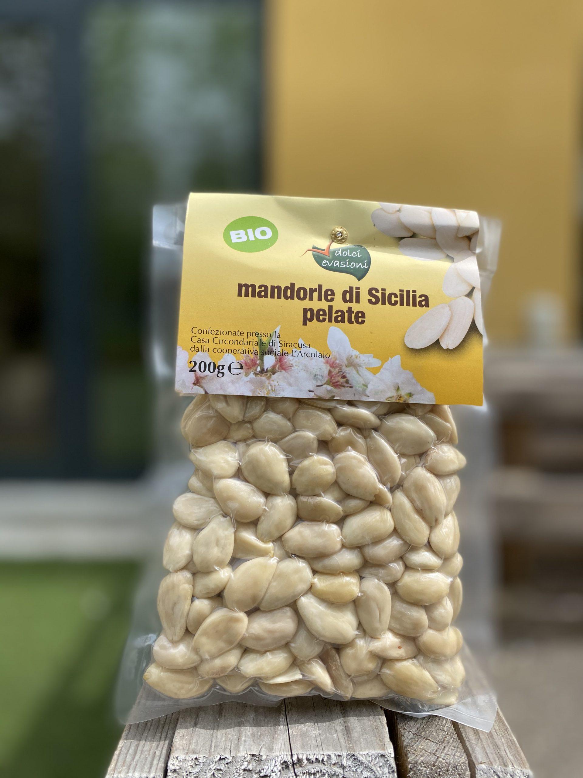 Mandorle di Sicilia pelate BIO – Dolci Evasioni